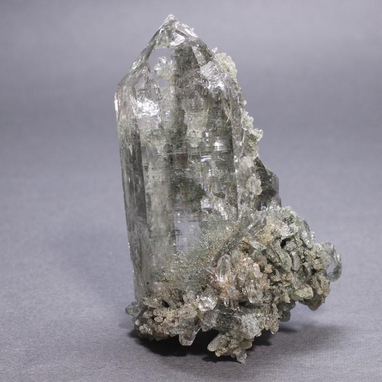 [ご提案品]インド・マニハール産ヒマラヤ水晶クラスター(ルチル有)