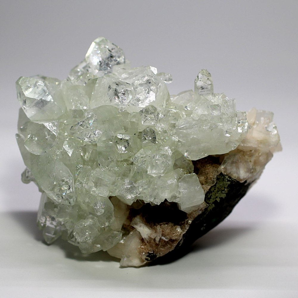 [インド産]グリーンアポフィライト結晶石(クラスター)