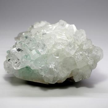 グリーンアポフィライト結晶石(クラスター)