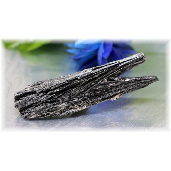 ブラジル産ブラックカイヤナイト結晶石(Black-Kyanite101)