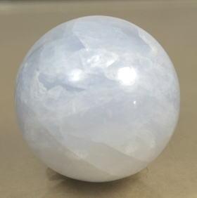 マダガスカル産ブルーカルサイト丸玉(BLUECALCIT-SPH06)