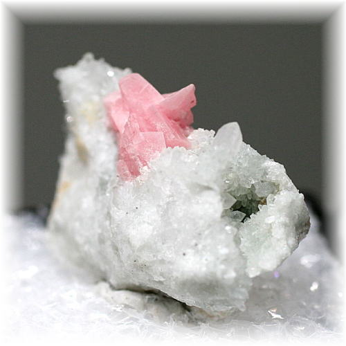 コロラド産インカローズ結晶付き原石(COLORADO,INKAROSE-RAF102)