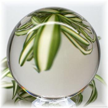 [ブラジル産]天然無垢本水晶 丸玉 鑑別書・台座付き(CRYSTALSPHERE-CR9180IS)