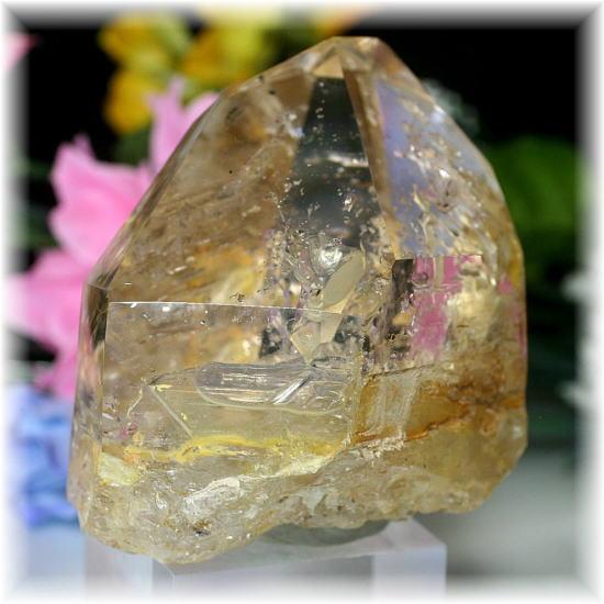 マダガスカル産水入り水晶ポリッシュポイント台座付き(EnhydrousQuartz-PP459)