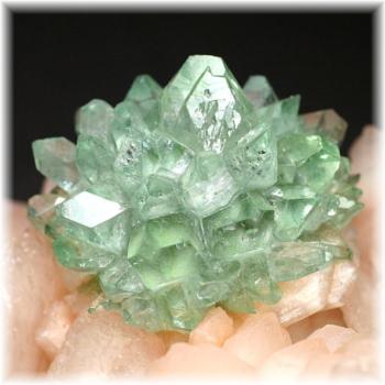インド産 高品質フラワー・グリーンアポフィライト結晶石 [GAC-106](Flowers-GreenApophylite106IS)