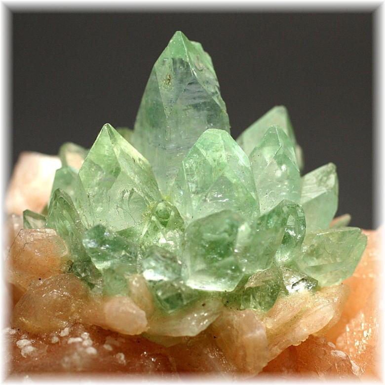 インド産 高品質フラワー・グリーンアポフィライト結晶石[FGAC-201IS]