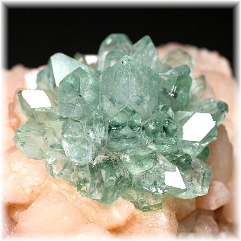 インド産 高品質フラワー・グリーンアポフィライト結晶石 [GAC-204]