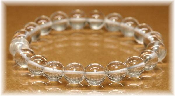 ヒマラヤ水晶 手磨き加工ブレスレットの写真