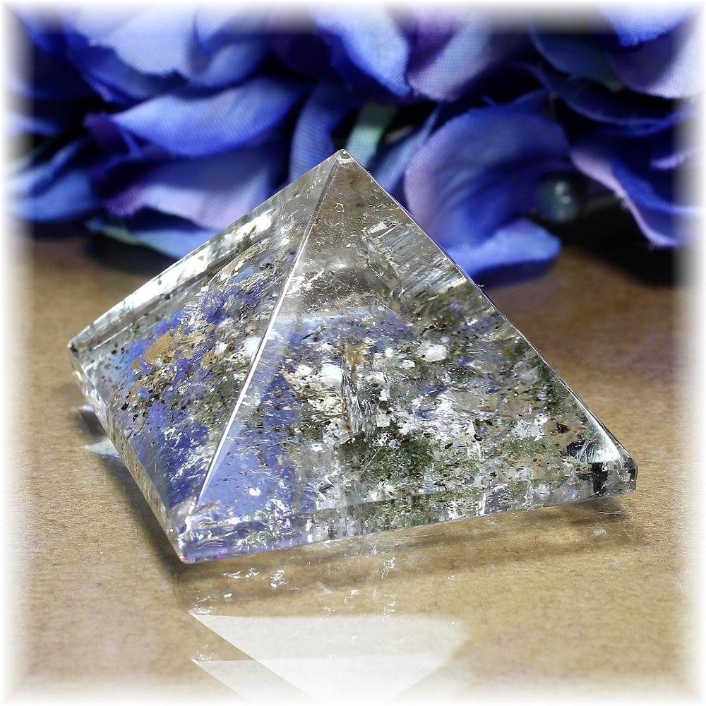 <b>!1点限定!</b><br>ガネッシュヒマール産<br>ヒマラヤ水晶<br>ピラミッド<br>(クローライト・レインボー入り)