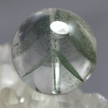 [最高品質]ブラジル産 グリーンファントムクォーツ 粒販売[直径17.9㎜](GRPH-T-05IS)