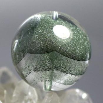 [最高品質]ブラジル産 グリーンファントムクォーツ 粒販売[直径17.9㎜](GRPH-T-07IS)