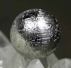 ギベオン隕石約10ミリ玉 粒販売(GIBEON-TUBU-1007IS)