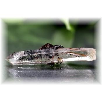 広東省産ヘマタイト&水晶ナチュラルポイント(HEMATITE-QUARTZNP107IS)