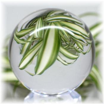 [ブラジル産]天然無垢本水晶 丸玉(台座付き)(HQ-CRYSTALSPHERE505IS)