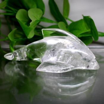 [インド産]天然ヒマラヤ水晶イルカ彫刻/アイリスクォーツ置物(全長約14.3cm)