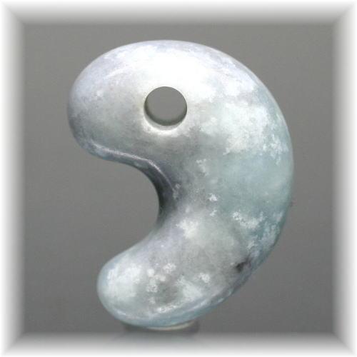 糸魚川翡翠 古代勾玉(ITOIGAWAHISUI-MAGATAMA104)