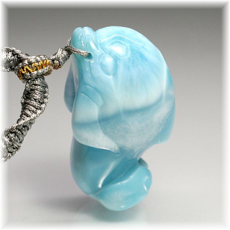 [高品質]ラリマーイルカ彫刻ペンダント