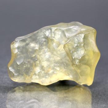 [高品質]天然リビアングラス原石(18.5g)