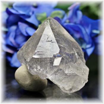 インド・マニハール産ヒマラヤ水晶ナチュラルポイント(MANIHAAR-QUARTZ109IS)