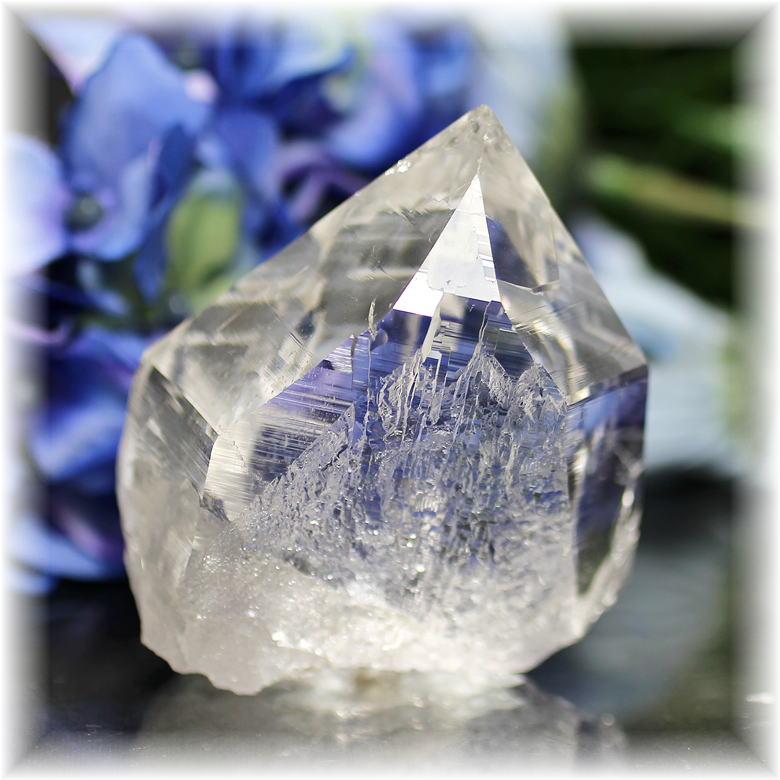 インド・マニハール産ヒマラヤ水晶ナチュラルポイント(MANIHAAR-QUARTZ112IS)