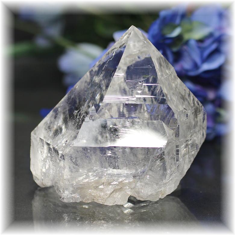 インド・マニハール産ヒマラヤ水晶ナチュラルポイント(MANIHAAR-QUARTZ113IS)