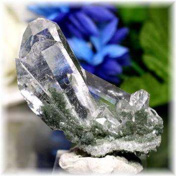 インド・マニハール産ヒマラヤ水晶クラスター(MANIHAAR-QUARTZ502IS)