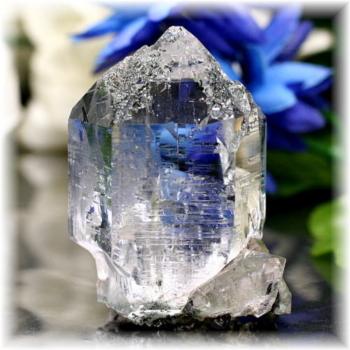 インド・マニハール産ヒマラヤ水晶クラスター(MANIHAAR-QUARTZ504IS)