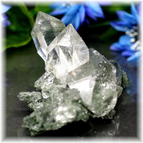 インド・マニハール産ヒマラヤ水晶クラスター(MANIHAAR-QUARTZ510IS)