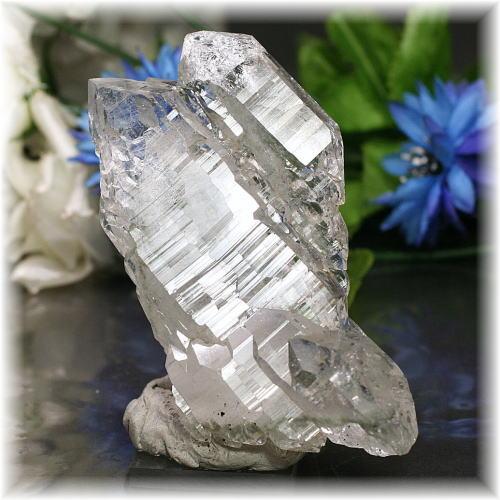 インド・マニハール産ヒマラヤ水晶クラスター(MANIHAAR-QUARTZ512IS)