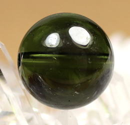 天然モルダバイト 10.5リ玉 粒販売(MOLDA-10MM-IS01)