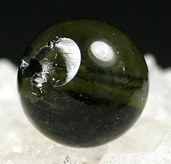 天然モルダバイト 9.1リ玉 粒販売(MOLDA-IS85)