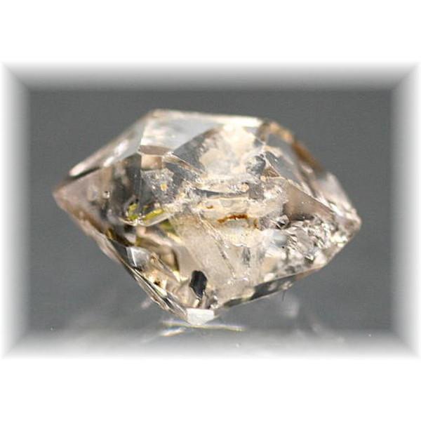 ハーキマー型オイル入り水晶