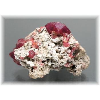 メキシコ産ピンクガーネット(グロッシュラーガーネット)結晶付き原石(PinkGarnet-K103)