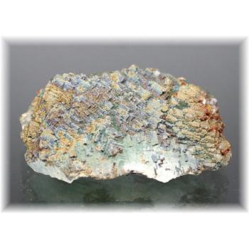 モロッコ産パイライト付きグリーンフローライト結晶石(PyriteWithFluorite-k104)