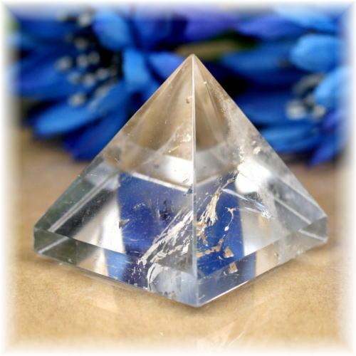 ブラジル産水晶ピラミッド(QuartzPyramid-1604)
