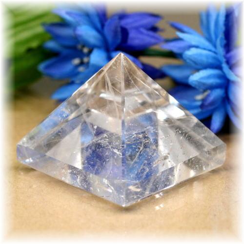 ブラジル産水晶ピラミッド(QuartzPyramid-1611)