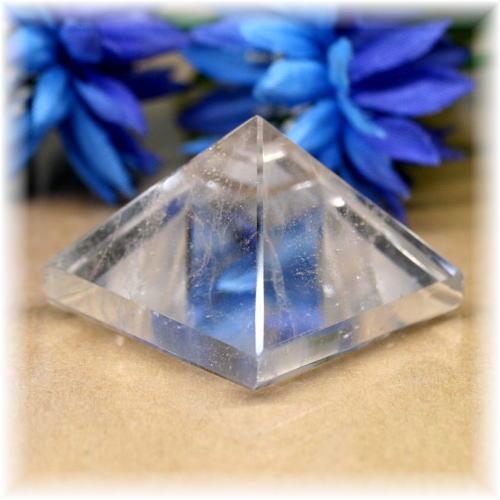 ブラジル産水晶ピラミッド(QuartzPyramid-1614)