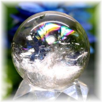 ブラジル産虹入り天然水晶丸玉(RAINBOWinQUARTZ-181)