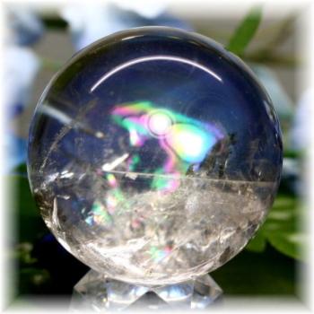 ブラジル産虹入り天然水晶丸玉(RAINBOWinQUARTZ-187)