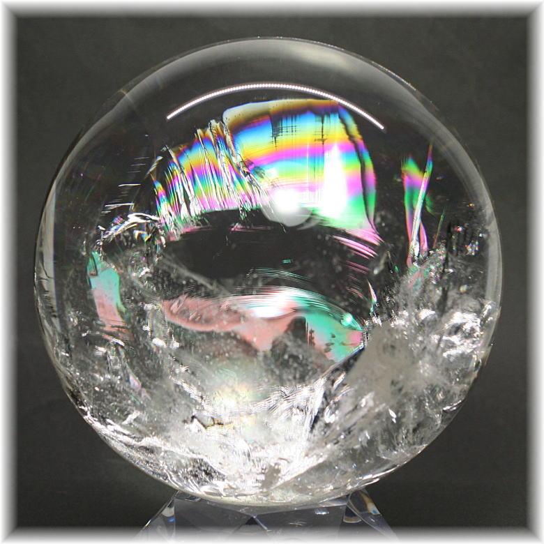 特別価格 <br>虹入り天然水晶<br>約12cm丸玉 台座付き<br>割引対象外商品