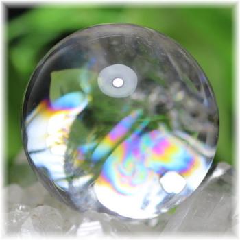 [最高品質]虹入り天然水晶丸玉 台座付属[直径40㎜](RAINBOWinQUARTZ-400mIS)