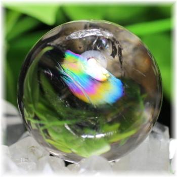 高品質虹入り天然水晶丸玉(ライトスモーキー) 台座付属(RAINBOWinQUARTZ-404mIS)