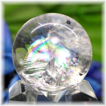 [高品質]レインボー水晶 丸玉(RQTZ-SPHERE0332IS)