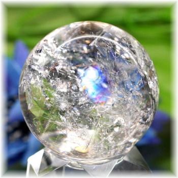 [高品質]レインボー水晶 丸玉・ルチル入り(RQTZ-SPHERE0752IS)