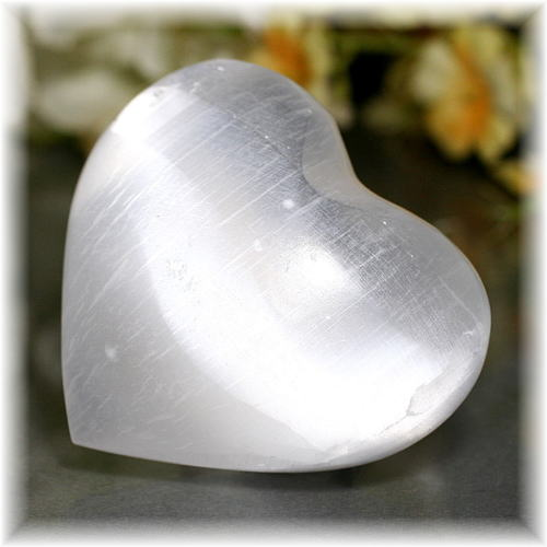 モロッコ産セレナイトハートシェイプ(SELENITE-HEART109)