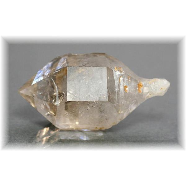 四川省産水晶(SHISEN-QUARTZ702)