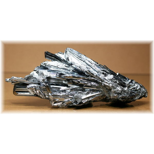 新代鉱山産 スティブナイト結晶(STIBNITE-428IS)