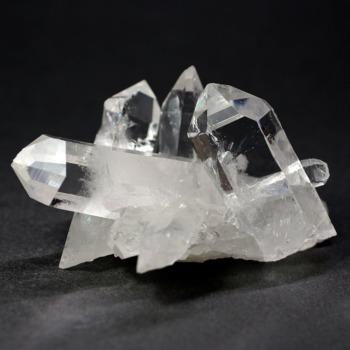 [高品質・ブラジル/トマスゴンサガ産]クォーツインクォーツ水晶クラスター(貫入水晶)