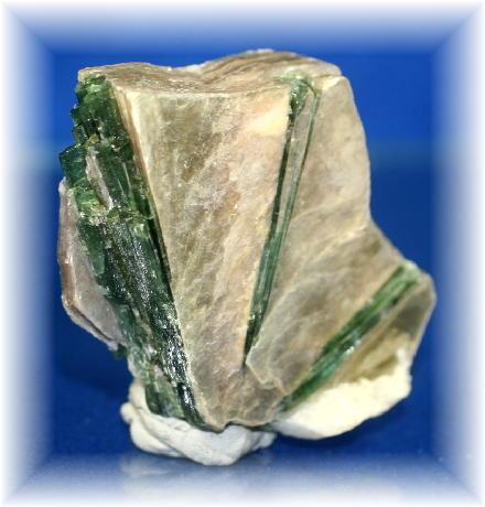 ブラジル産グリーントルマリン結晶つきマイカ(TOURMALINE-CK10)