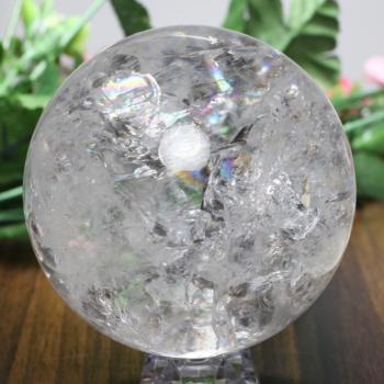 [トップクォリティ ・特別価格]レインボー水晶 丸玉 台座付属(RainbowCrystal-tp0774is)